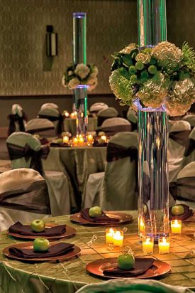 Gorgeous Linens, Floral Arrangements and Copper Chargers at the Red Oak Ballroom A in Fort Worth, Sundance Square
